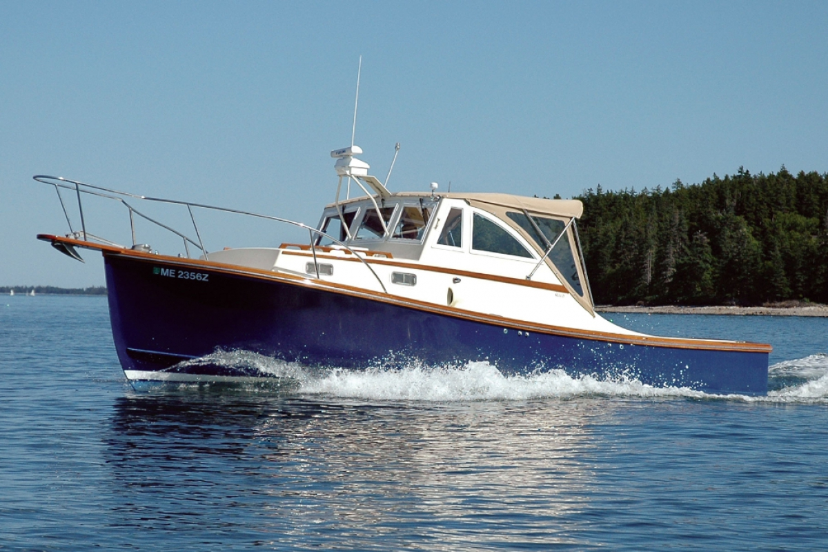 Ellis 28 Downeast Express Cruiser in SW Harbor waters